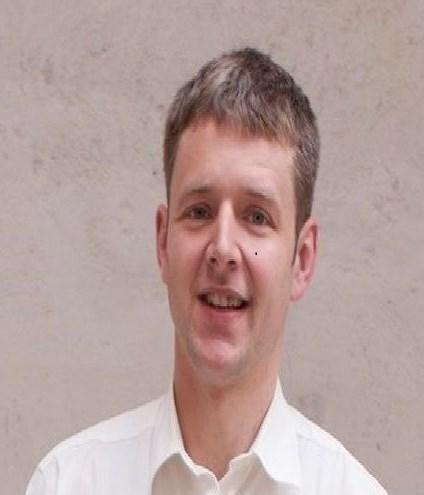 """Dietmar Weithaler ist Verkäufer in einem Landwirtschaft- und Gartenmarkt und ist vielen ehrenamtlichen Vereinen aktiv. Seit Kurzem ist er Bezirkssprecher der """"Südtiroler Freiheit""""."""