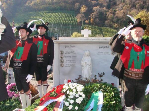 2014_Lana_Franz Höfler Gedenkfeier Grab Höfler (7)