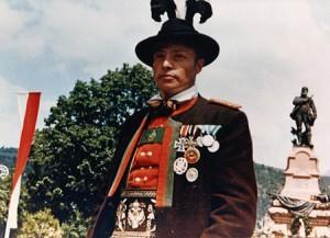 Schützenmajor-Klotz1-300x217