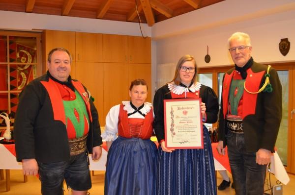 2016_Burgstall_Jahreshauptversammlung Ehrung (1) (Andere)
