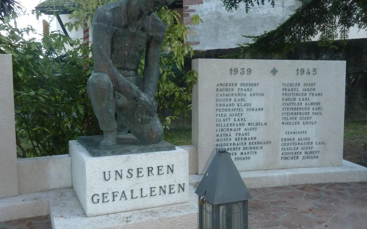 2015_Nals_Reinigung Kriegerdenkmal (4)