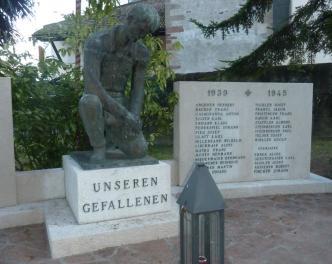 2015_Nals_Reinigung Kriegerdenkmal (4)