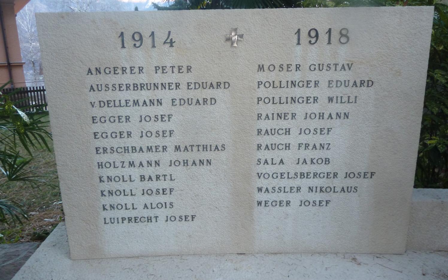 2015_Nals_Reinigung Kriegerdenkmal (5)