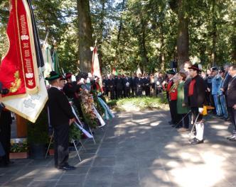 2015_Meran_Bezirk Gedenkfeier Soldatenfriedhof 7