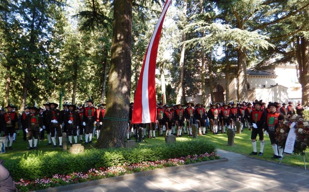 2015_Meran_Bezirk Gedenkfeier Soldatenfriedhof 15