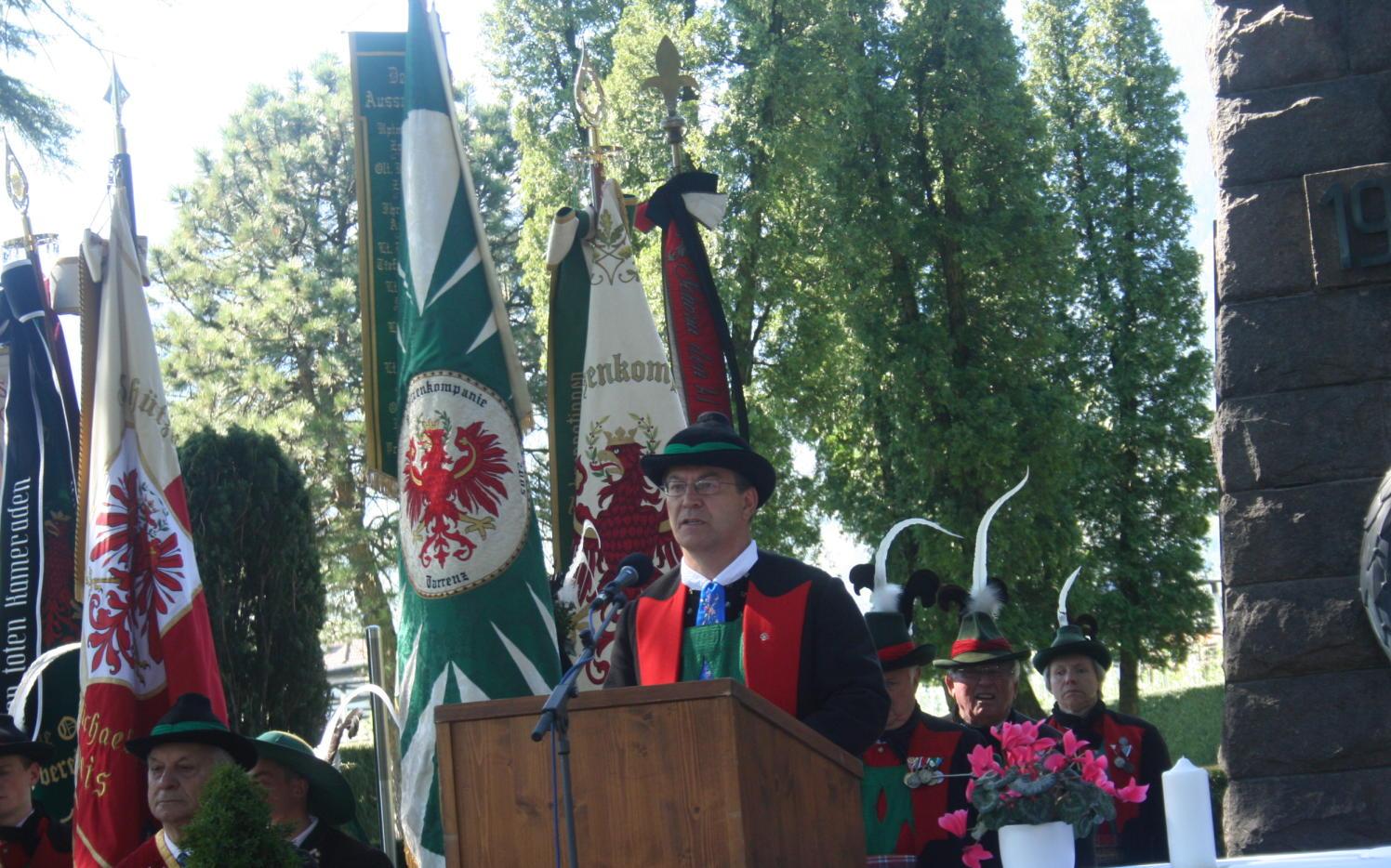 2015_Meran_Bezirk Gedenkfeier Soldatenfriedhof 19
