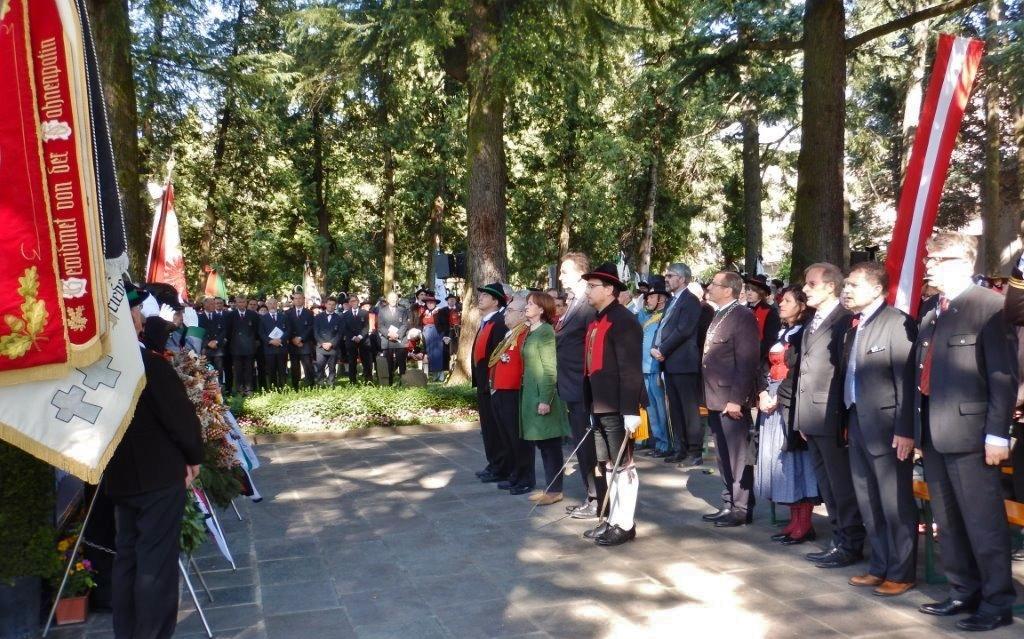 2015_Meran_Bezirk Gedenkfeier Soldatenfriedhof 23