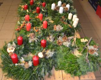 2015_Burgstall_Adventskranz basteln Jugend