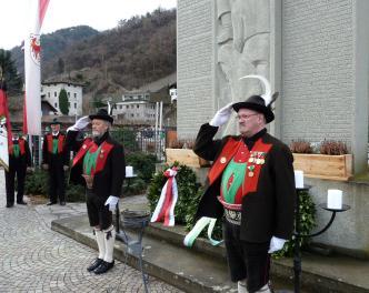 2016_Lana_Hofer Gedenken Kranzniederlegung_am_Kriegerdenkmal_Foto_SK_Lana (Andere)