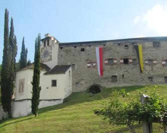 2016_Lana_Fahnenstange Schloss Braunsberg (1)