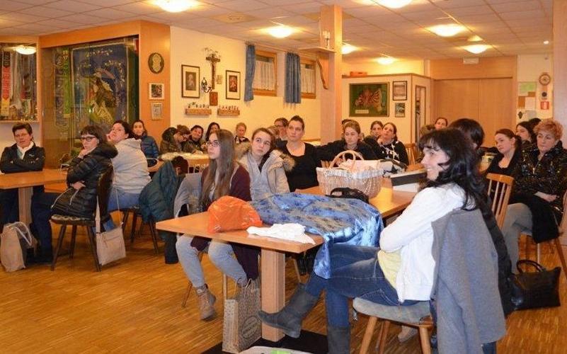 2017_Lana Bezirk_baeurisch gian Trachten Steck Kurs Marketenderinnen 08