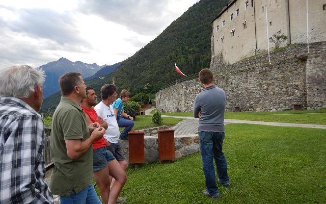 2017_Dorf Tirol_Arbeiten 40 Jahr Feier Vorbereitung (10)