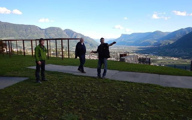 2017_Dorf Tirol_Arbeiten 40 Jahr Feier Vorbereitung (3)