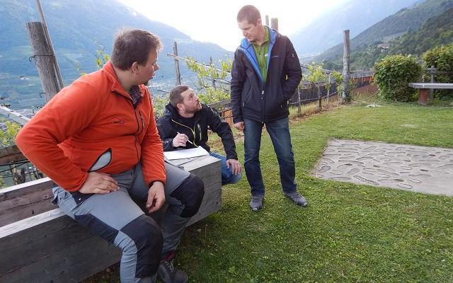 2017_Dorf Tirol_Arbeiten 40 Jahr Feier Vorbereitung (5)
