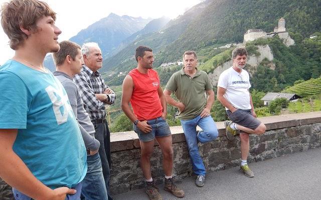 2017_Dorf Tirol_Arbeiten 40 Jahr Feier Vorbereitung (8)