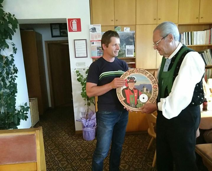 2018_Dorf Tirol_80. Geburtstag Sepp Haselrieder 02
