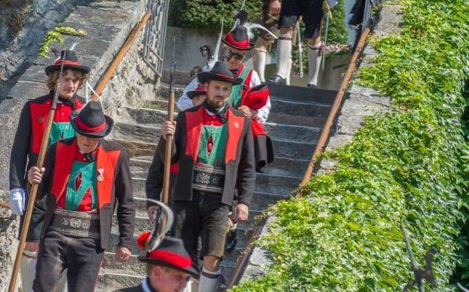 2018_Dorf Tirol Schenna_Schützenhochzeit Nadia und Florian (11)