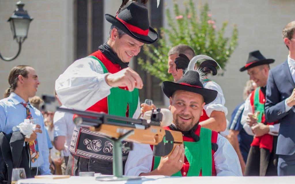 2018_Dorf Tirol Schenna_Schützenhochzeit Nadia und Florian (7)