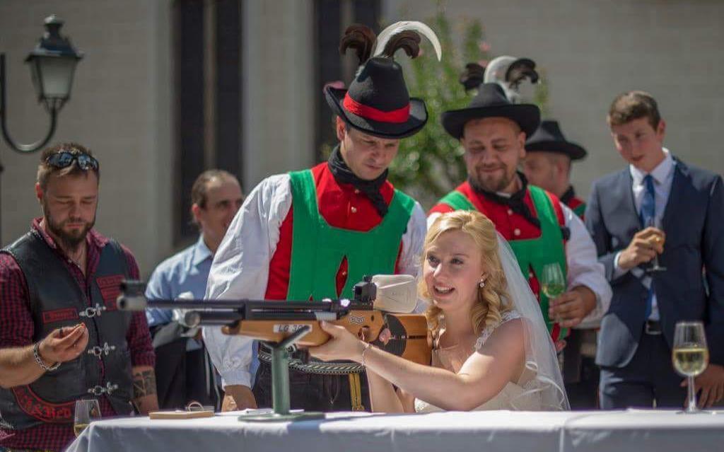 2018_Dorf Tirol Schenna_Schützenhochzeit Nadia und Florian (9)