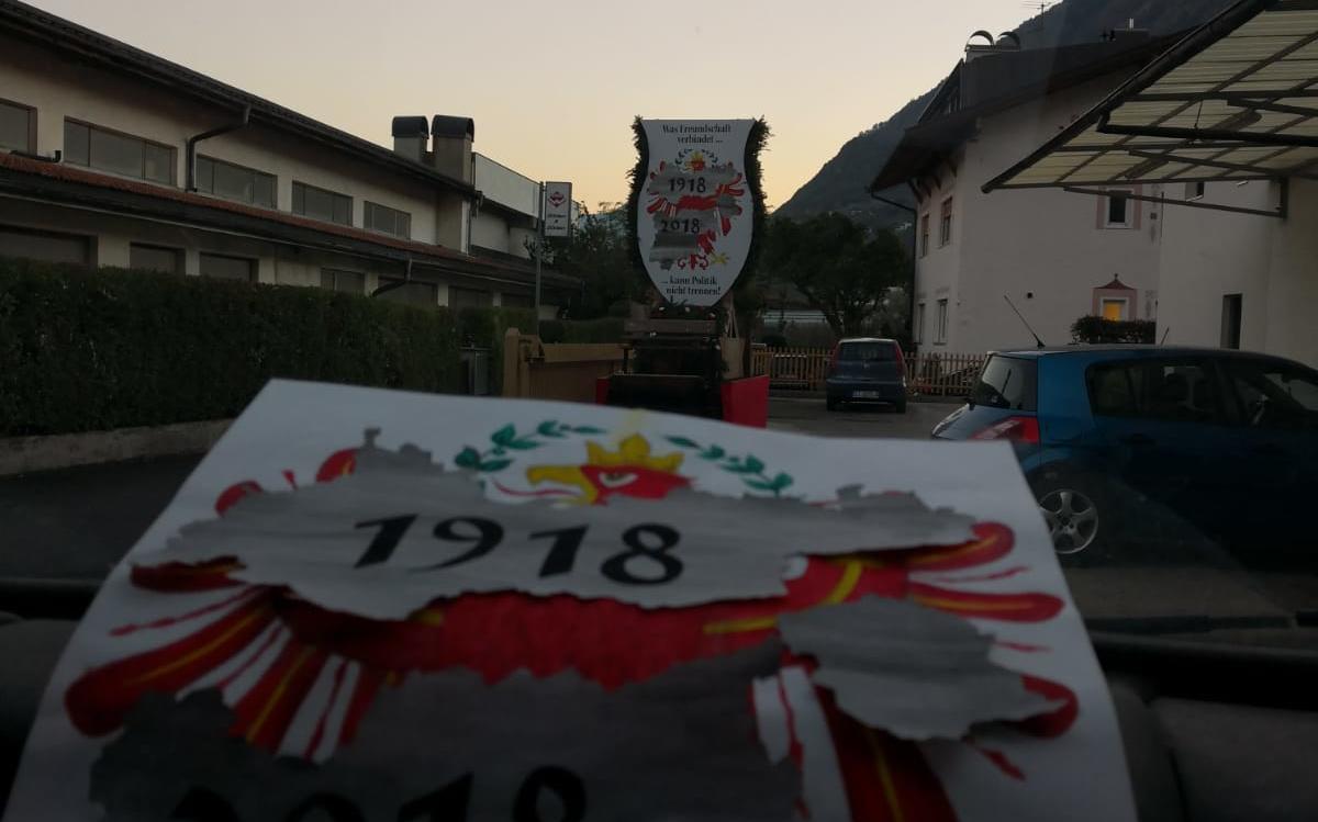 2018_Algund Bezirk_Aufbau Schmücken Traubenfest Festwagen (3)