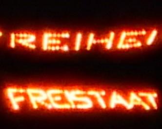 Bergfeuer über dem Meraner Talkessel